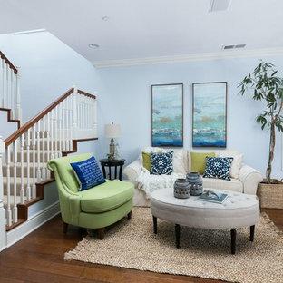 Esempio di un piccolo soggiorno stile marino aperto con sala formale e pareti bianche