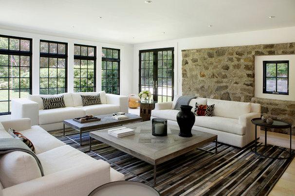Farmhouse Living Room by Voce Di Design Studio