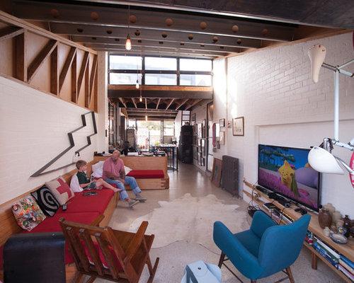 Living Room Design Ideas, Renovations & Photos with Concrete Floors