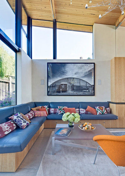 Beach Style Living Room by WA Design Architects