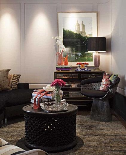 Contemporary Living Room by Marcelo Brito & Pedro Potaris
