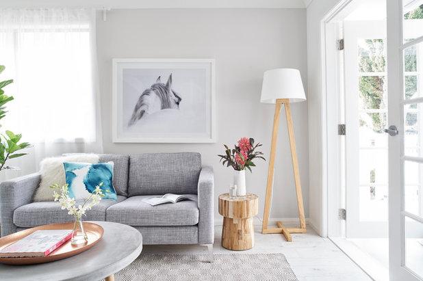 Modern Living Room by Studio 1 Interiors