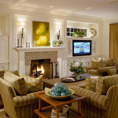 traditional living room by Su Casa Designs