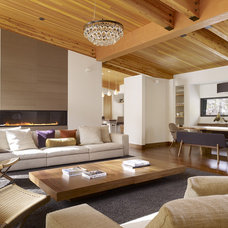 Midcentury Living Room by John Maniscalco Architecture