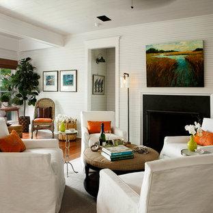 Свежая идея для дизайна: парадная, открытая гостиная комната в морском стиле с белыми стенами, паркетным полом среднего тона и стандартным камином - отличное фото интерьера