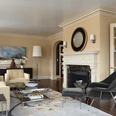 Transitional Living Room by David Heide Design Studio