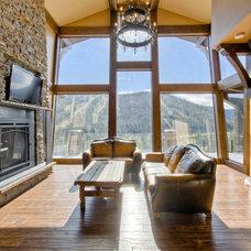 Traditional Living Room by Streamline Design Ltd. - Kevin Simoes