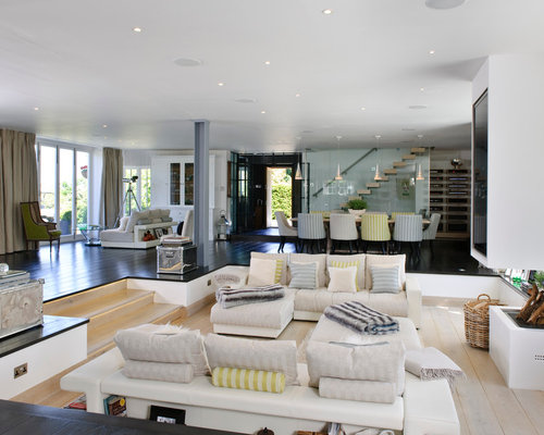 Sunken living room houzz for Houses with sunken living rooms