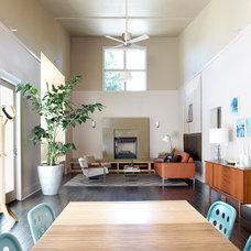 Contemporary Living Room by Hwang DeWitt Inc.