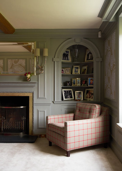 Traditional Living Room by Rendall & Wright