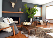 What paint color is the fireplace/wall? It's absolutely perfect!