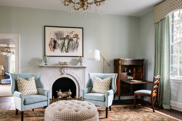 Traditional Living Room by Glave & Holmes Architecture