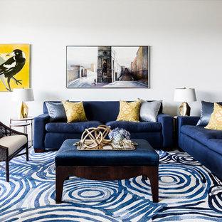 Repräsentatives, Großes, Fernseherloses, Offenes Modernes Wohnzimmer ohne Kamin mit weißer Wandfarbe, Teppichboden und blauem Boden in Sydney
