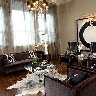 Ejemplo de salón actual, grande, con paredes beige