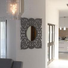 Modern Living Room by Talia Cohen Abutbul