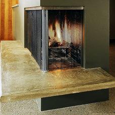 Midcentury Living Room by Steinbomer, Bramwell & Vrazel Architects