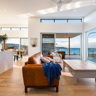 TASMAN BEACH HOUSE