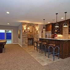 Living Room by Gonyea Homes & Remodeling