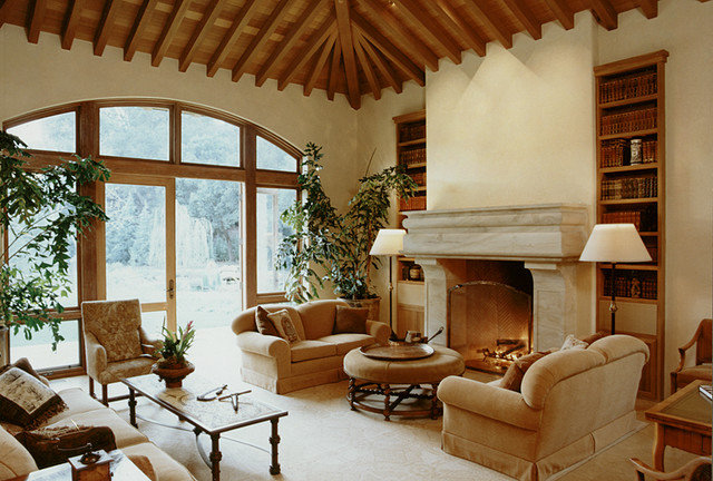 Traditional Living Room by Taylor Lombardo Architects
