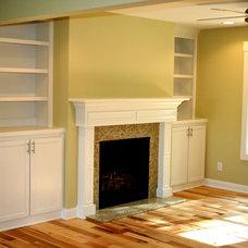 Traditional Living Room by Hiday Custom Builders, LLC