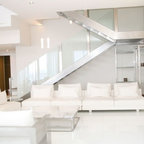 Tallus Modern Living Room Los Angeles By Guild Gc