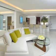 Modern Living Room by Tessi Garcia Interior Design