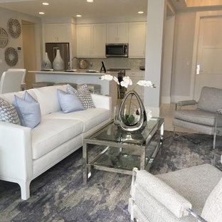 Foto di un soggiorno classico con moquette e pavimento viola