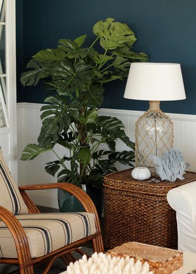 Beach Style Living Room by Vanessa Wood Interiors