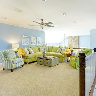 Immagine di un soggiorno stile marino stile loft con sala formale, pareti blu e nessuna TV