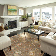 Traditional Living Room by Robert Thomas Homes
