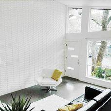 Modern Living Room by crestviewdoors
