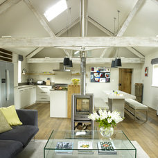 Farmhouse Living Room by Rendall & Wright