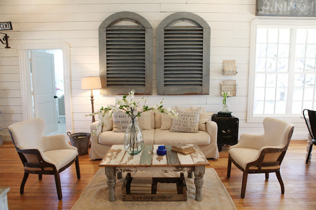 Shabby-chic Style Living Room by Magnolia Homes
