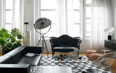 Decorating With Antiques: Sit Pretty on Settees and Sofas