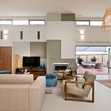 Modern Living Room by THE RURAL BUILDING COMPANY