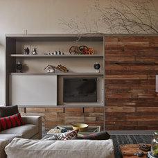 Industrial Living Room by lisa schmitz interior design