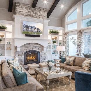 ソルトレイクシティの大きいトランジショナルスタイルのおしゃれなLDK (フォーマル、標準型暖炉、石材の暖炉まわり、壁掛け型テレビ、白い壁、無垢フローリング、茶色い床) の写真