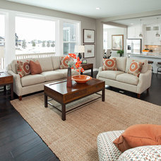 Traditional Living Room by Homes by Tradition