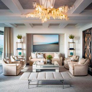 Idéer för att renovera ett stort vintage allrum med öppen planlösning, med ett finrum, vita väggar, mörkt trägolv och brunt golv