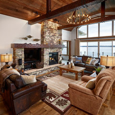 Rustic Living Room by Perry Signature Homes Inc.