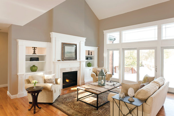 Traditional Living Room by Northland Residential Corporation