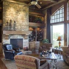 Traditional Living Room by B.L. Rieke Custom Home Builders