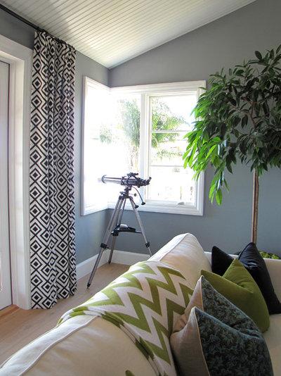 Beach Style Living Room by Tara Bussema