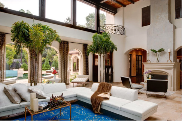 Tropical Living Room by The Twelve Oaks Group