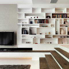 contemporary living room by S.I.D.Ltd.