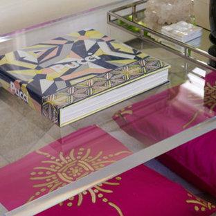 ニューヨークのトランジショナルスタイルのおしゃれなリビング (カーペット敷き) の写真