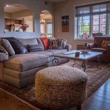 Tinley Park, Condo with Western Vibe