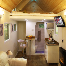 Modern Living Room by Tiny House UK