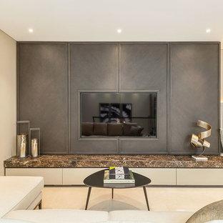 Foto de salón tipo loft, casetón y papel pintado, contemporáneo, pequeño, papel pintado, con paredes beige, suelo de baldosas de cerámica, televisor colgado en la pared, suelo blanco y papel pintado