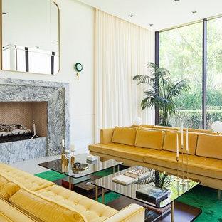 Ispirazione per un soggiorno minimalista con pareti beige e camino lineare Ribbon